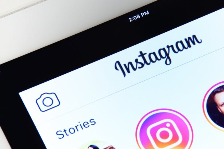 Instagram Stories Guide for 2021 (Tips, Tricks, and Strategies)